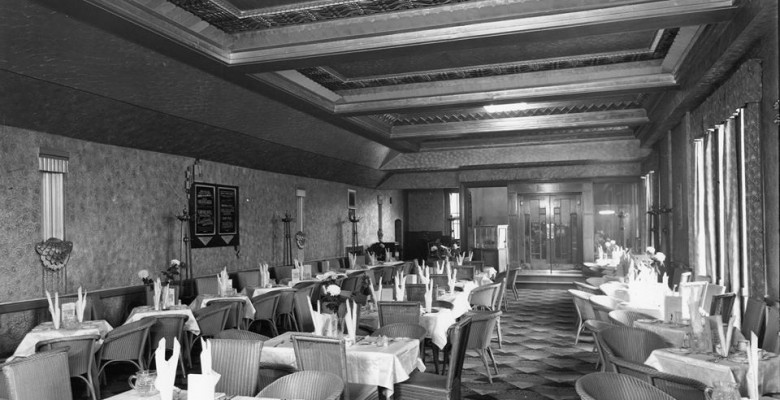 Cafe Restaurant on Opening Day - October 7th 1932