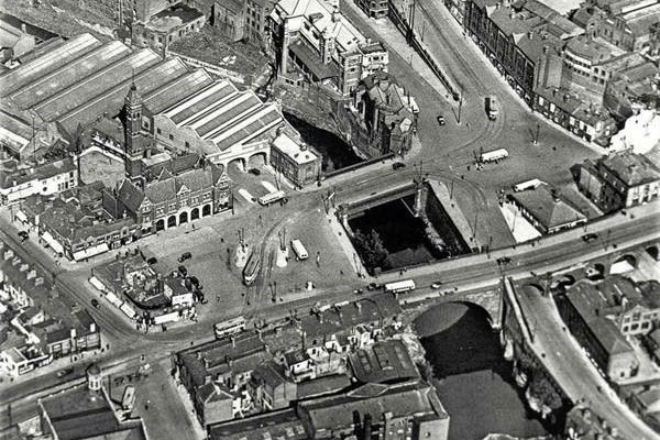 Ariel shot of Mersey Square prior to 1932 with the location of The Plaza accomodating a row of low level workers cottages