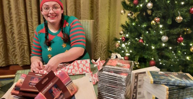 The Plaza Elfs have arrived!...Fluffy Elf in all her finery prepares Merchandise for Christmas Orders - 09.12.20