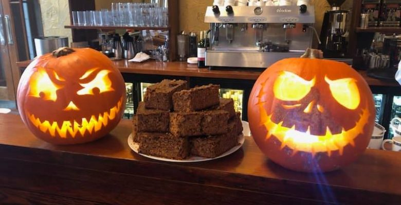 Head Chef Mike and Chef Pal Mike getting spookily creative for Halloween along with their fabulous Plaza Parkin - 30.10.19